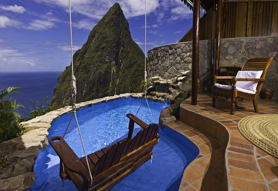 espectacular hotel con piscina privada en la terraza y vistas de lujo