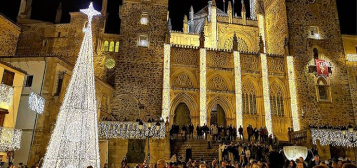 GUADALUPE, el pueblo extremeño de la Navidad que dará las campanadas