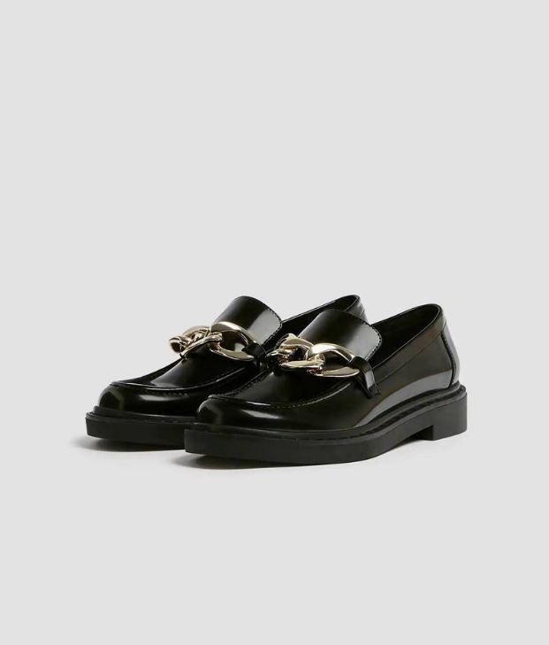 Zapatos con detalle de cadena de Pull&Bear